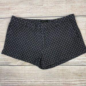 Banana Republic Black/White Shorts, Size 14